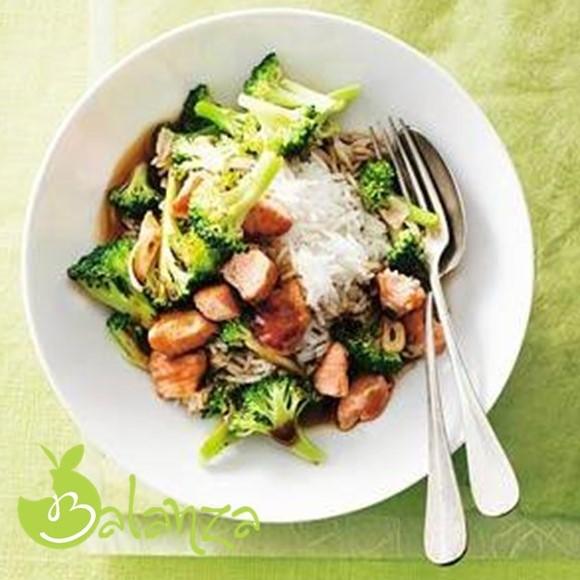 recept ketjap rijst met broccoli en zalm